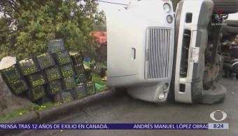 Vuelca camión transportaba limones carretera México-Toluca
