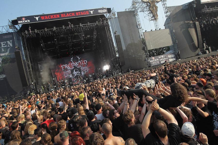 Abuelitos escapan de asilo para ir a festival de rock