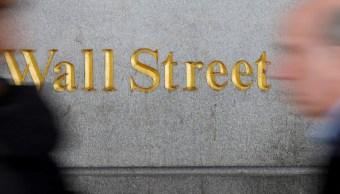 Wall Street gana, alentado por negociación entre China y EU