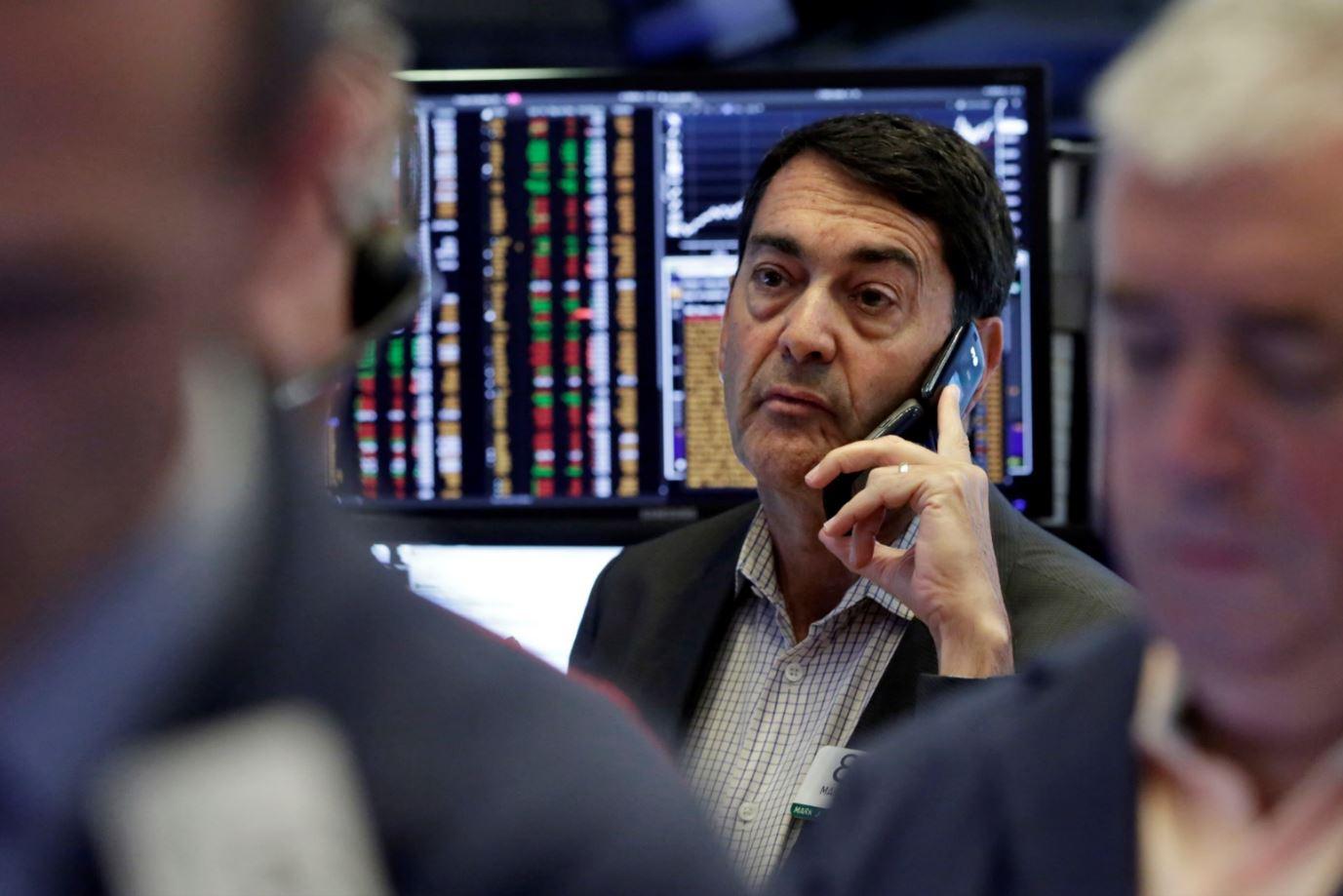 Wall Street cerró con baja ante presión por derrumbe de lira turca