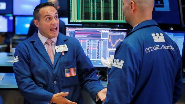 Wall Street repunta, índice S&P cerca de máximo histórico