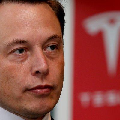 Elon Musk renuncia a Tesla para evitar una demanda por fraude