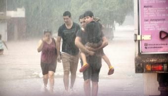 Ejército rescata a miles por inundación en Sinaloa y Sonora