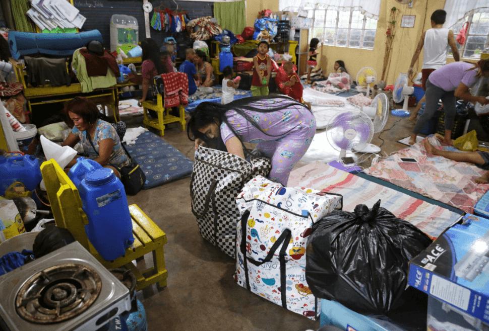 Albergue en Filipinas ante llegada del tifón Mangkhut. (AP)
