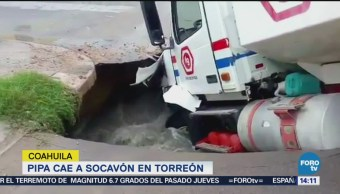 Pipa Cae A Socavón Torreón, Coahuila