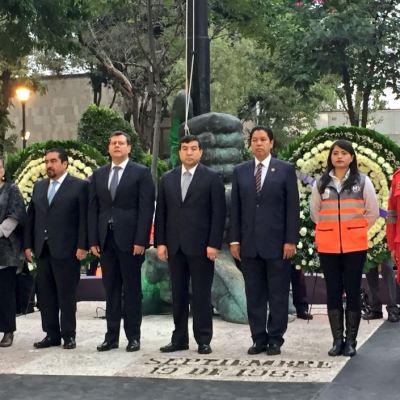 Amieva encabeza homenaje por las víctimas del sismo de 1985 y 2017