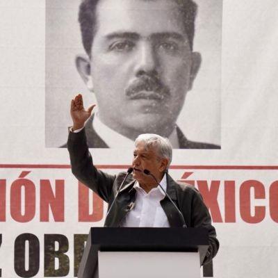 AMLO anuncia en Tlatelolco la transformación del Ejército