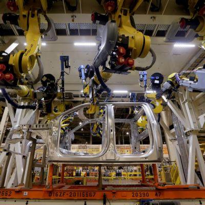 Avanzan producción industrial e inventarios de EU, caen precios de importaciones