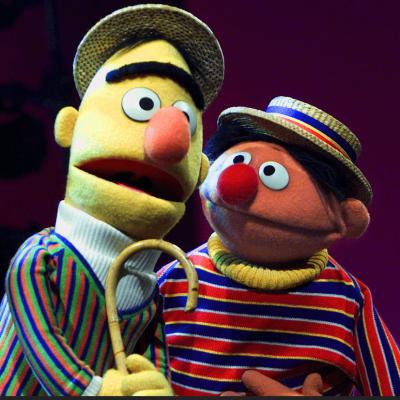 Beto y Enrique, de Plaza Sésamo, son pareja gay, confirma guionista