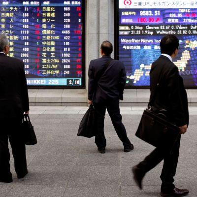 Bolsa de Tokio y mercados de China cierran a la baja
