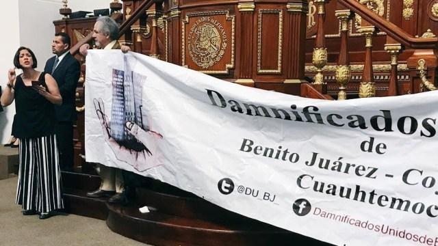 Damnificados del 19-S irrumpen en la Asamblea Legislativa