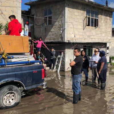 Desbordamiento del río Lerma afecta mil viviendas en Edomex