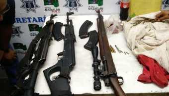 Detienen a 7 personas con armas largas en Sinaloa