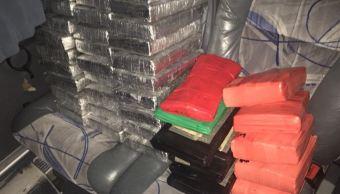 Miliatres decomisan 1 mdd en camión de Tamaulipas