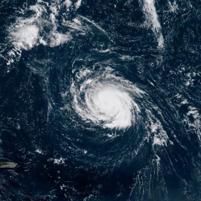 El huracán 'Florence' se fortalece; podría alcanzar categoría cuatro