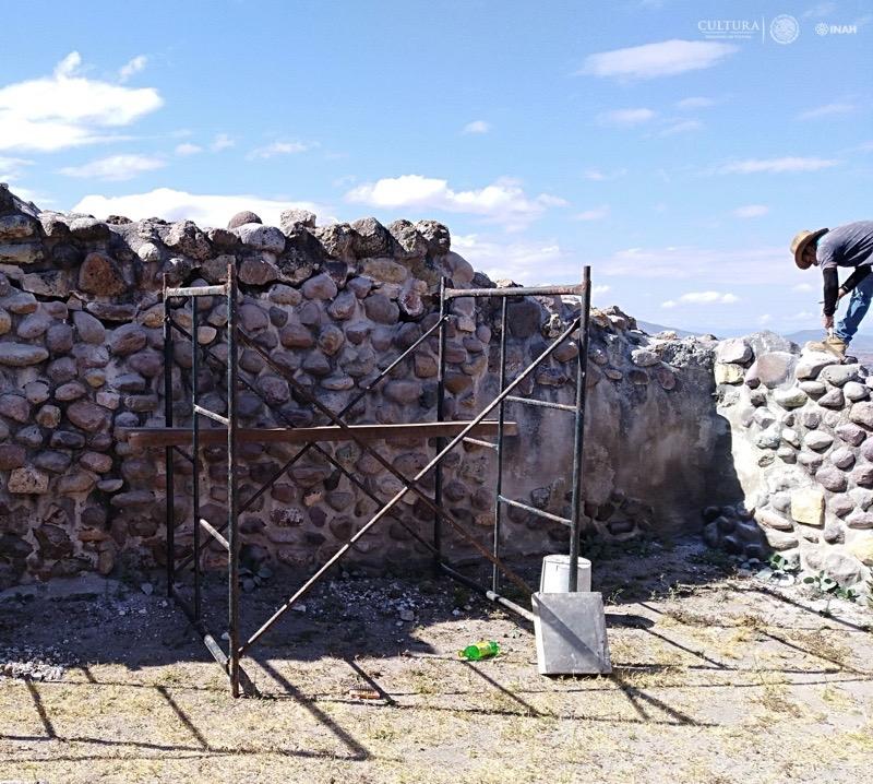 En la zona arqueológica de Yagúl, la atención fue en grietas