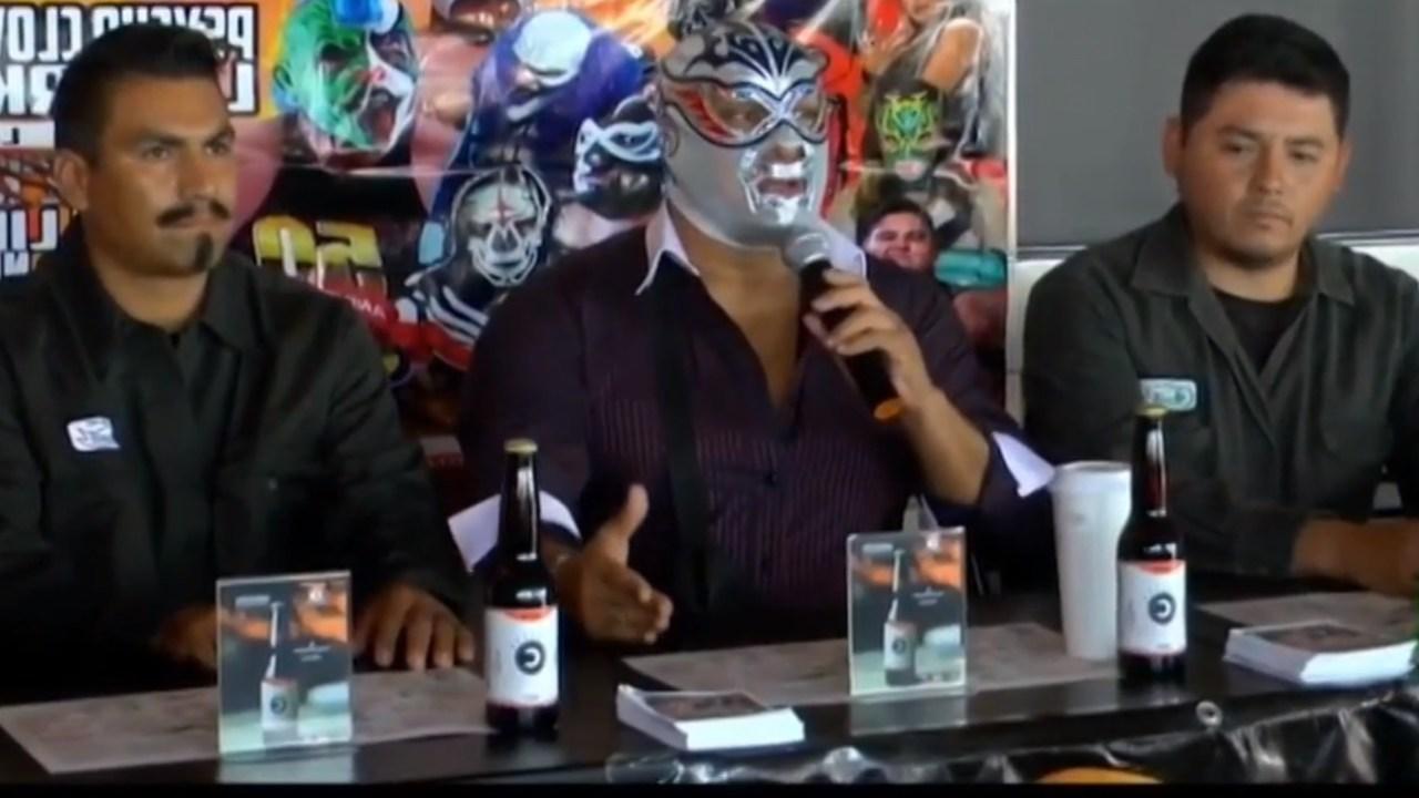 Gasolineros debutarán como luchadores en Durango, gracias a video viral