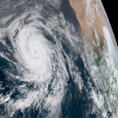 Huracán Florence se degrada a categoría 1; sigue siendo peligroso