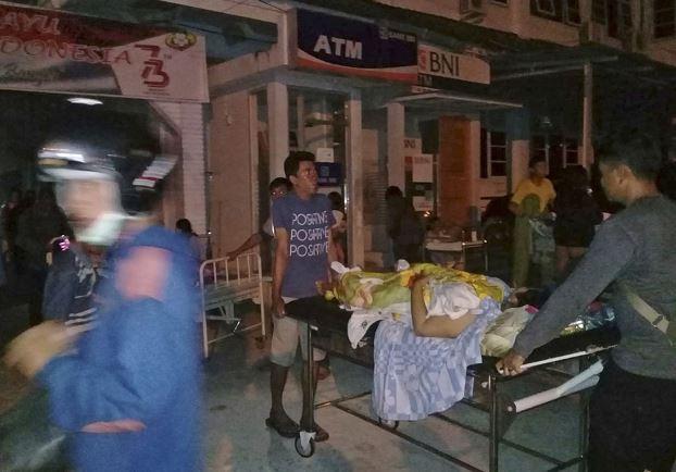 Terremoto en Indonesia provoca tsunami y deja varios muerto