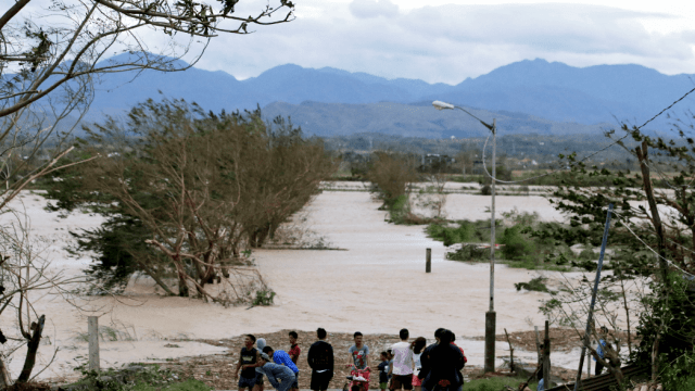 Tifón Mangkhut deja 25 muertos en Filipinas