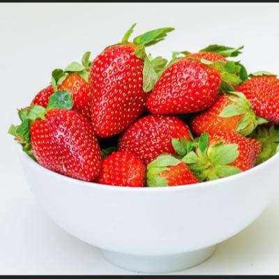 Insertan agujas en fresas como sabotaje, en Australia