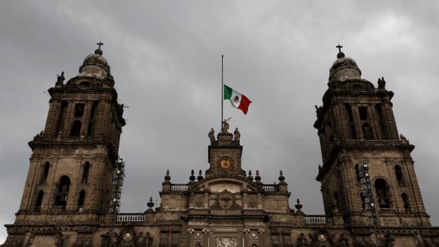 Prevén cambios en pirotecnia para proteger la Catedral