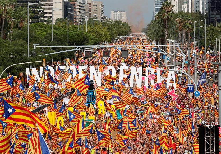 Miles de personas se manifiestan en Barcelona — Diada