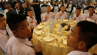 Cueva Tailandia: Agradecen con fiesta rescate de ninos