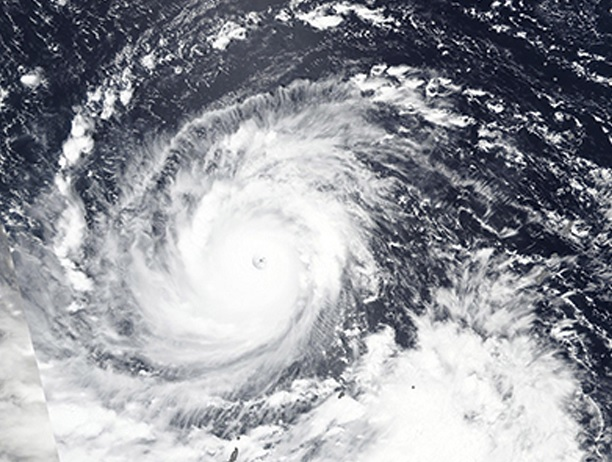 NASA muestra al tifón Mangkhut desde el espacio