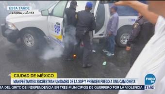 Manifestantes Secuestran Unidades SSP Prenden Fuego Camioneta