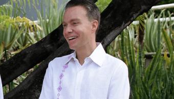 Manuel Velasco pide licencia como senador