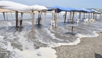 Mar de fondo en Guerrero afecta a cientos de pescadores