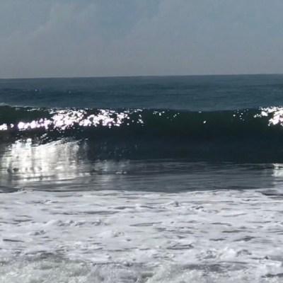 Restringen acceso a cinco playas de Colima por mar de fondo