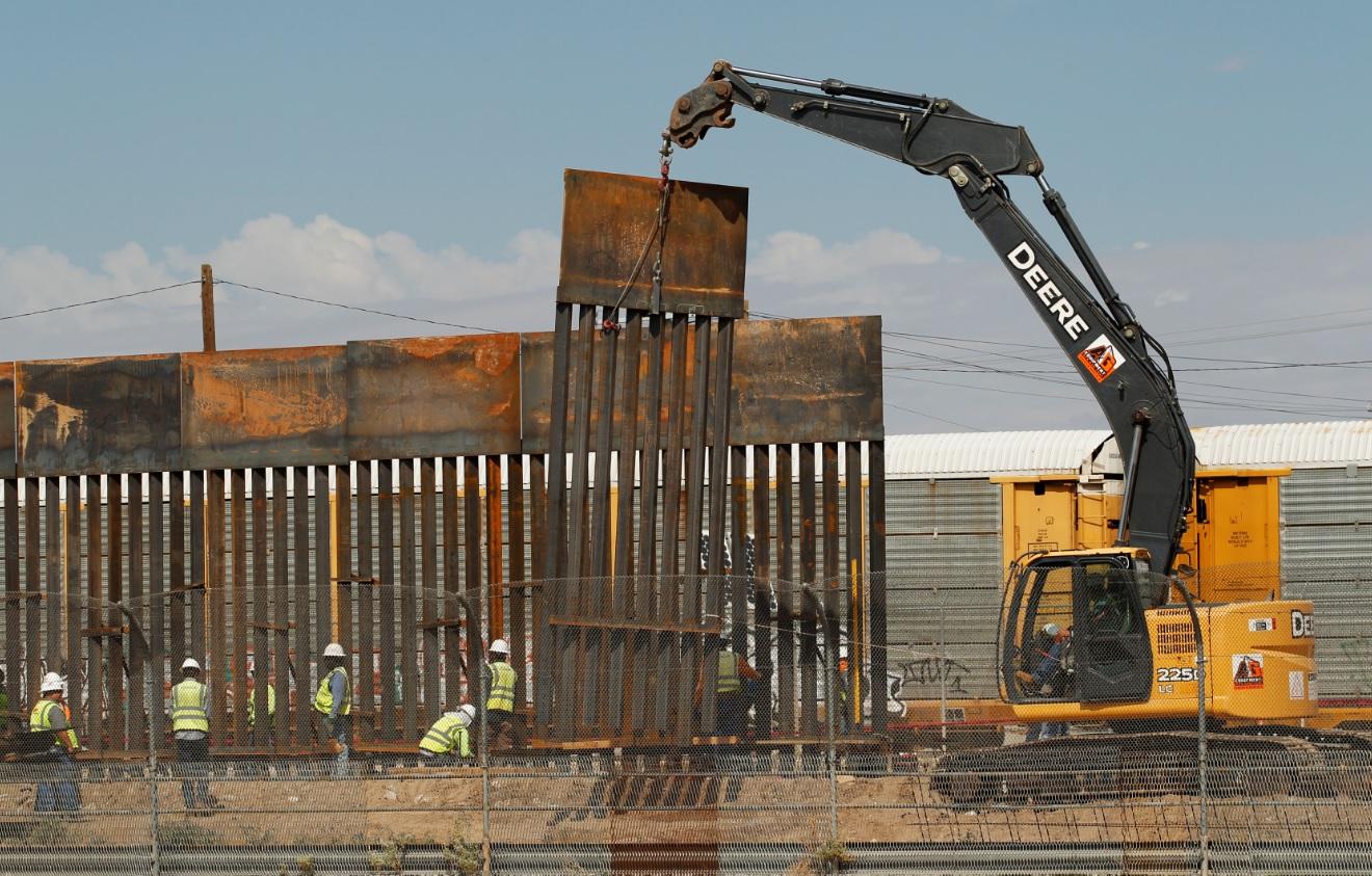 Estados Unidos empieza construcción de muro en Texas