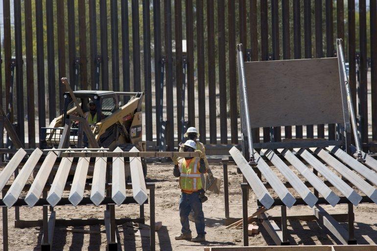 Remplazaran cerca fronteriza por valla metalica en Texas