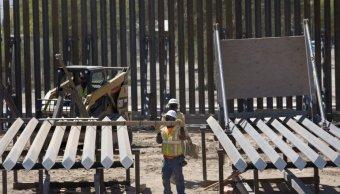 Sustituyen malla por muro de acero en la frontera de Texas