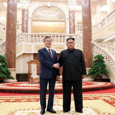 Líderes de las dos Coreas celebran primera cumbre en Pyongyang
