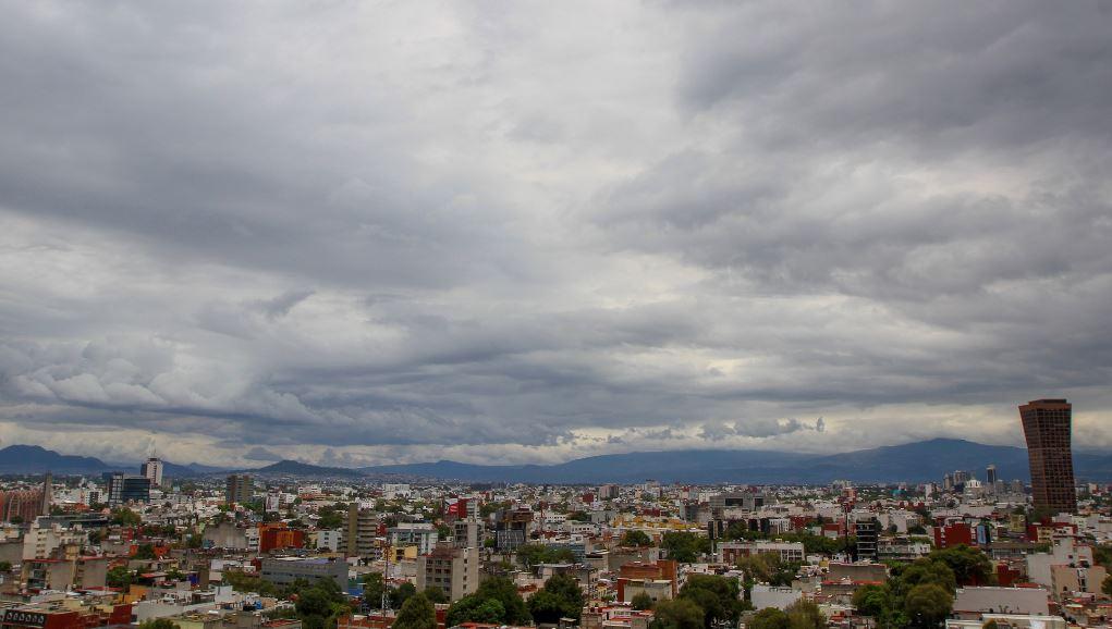 Prevén lluvias con caída de granizo para la CDMX