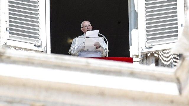 Papa expresa su cercanía a la población de Indonesia