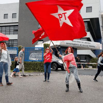 Brasil: Justicia prohíbe propaganda en la que Lula aparece como candidato