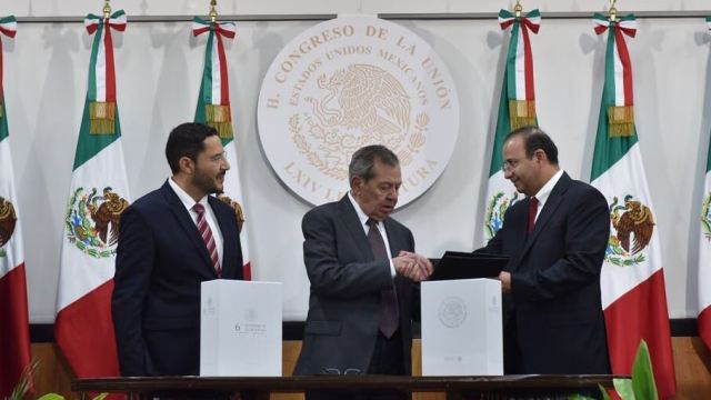 Navarrete Prida entrega al Congreso el Sexto Informe de Peña Nieto