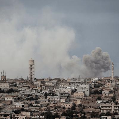 Aviones rusos bombardean provincia siria de Idlib; temen gran ofensiva militar