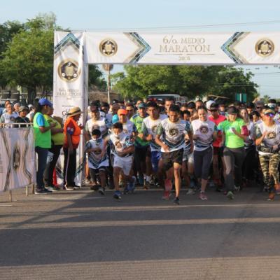Más de 40 mil personas participan en medio maratón de la Sedena