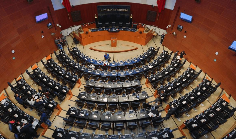 Senado sesiona sin edecanes ni cafetería anexa al pleno