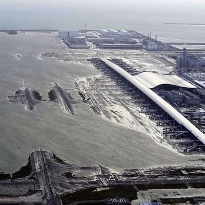 Tifón Jebi: Rescatan a miles de personas atrapadas en aeropuerto de Osaka