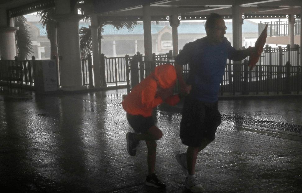Hong Kong, alerta máxima por el súper tifón Mangkhut