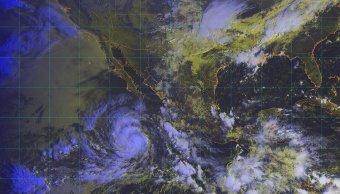 Tormenta tropical Rosa se intensifica a huracán categoría 1