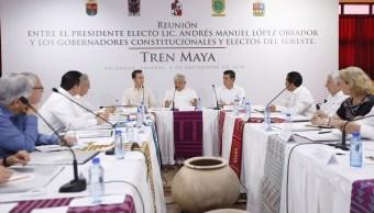 AMLO se reúne con gobernadores donde atravesará el Tren Maya