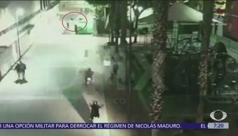 Videocámara capta huida de agresores de Plaza Garibaldi