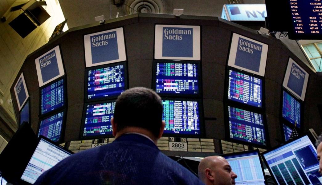 Wall Street abre al alza ante aumento de inflación en EU